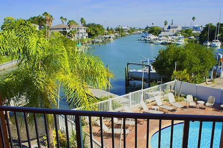 2 bed/2bath great water views condo - Apartament