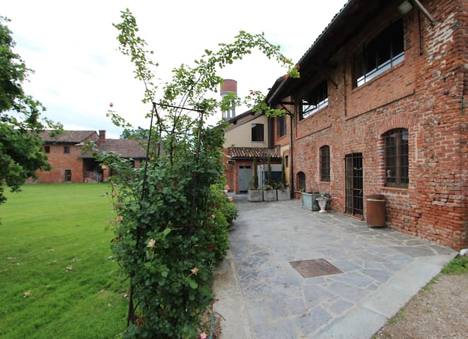 Duplex in cascina antica.