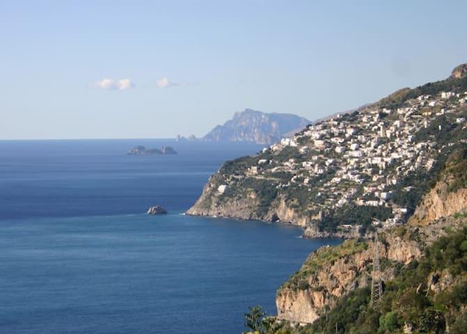 Amalfi Mareluna