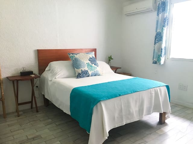 Charming private room away from tourist area ☆☆☆☆☆