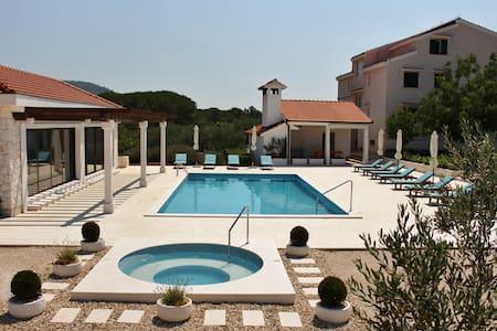Villa DIVA - Apartment A4 - Rogoznica