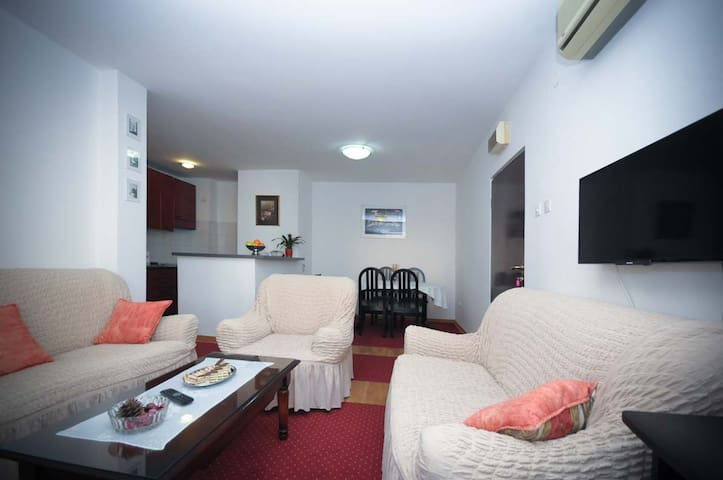 Apartment Dimic - 10min to beach