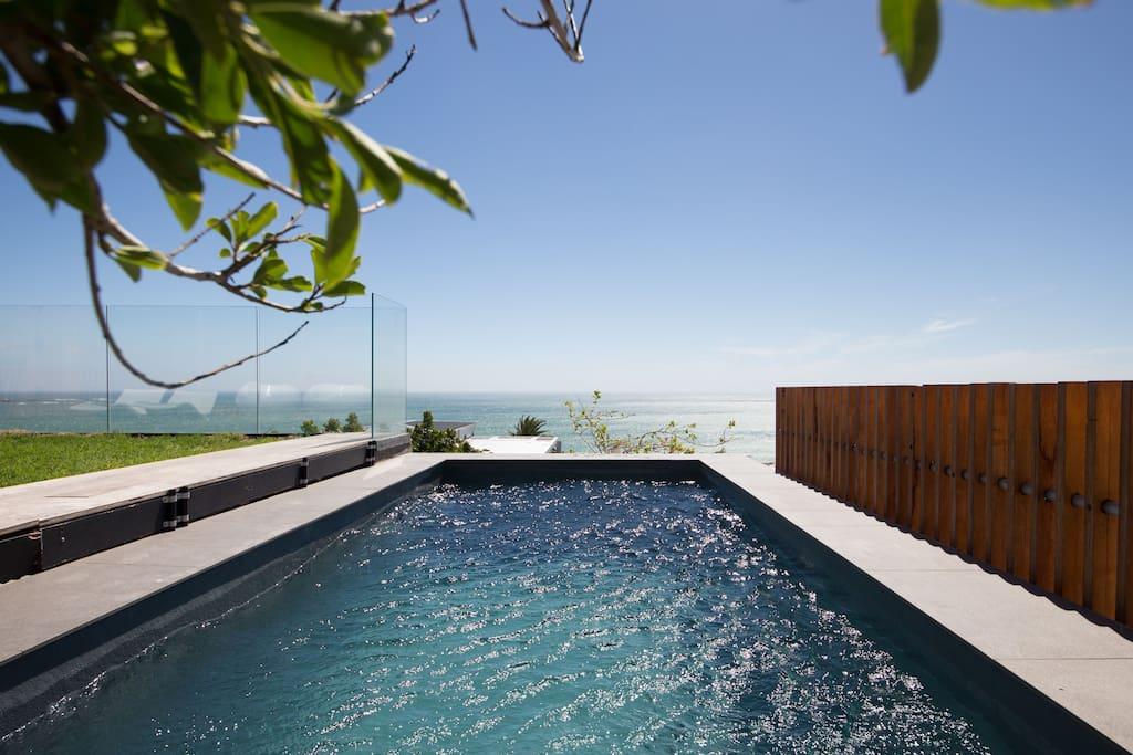 View across the pool of the Atlantic Ocean