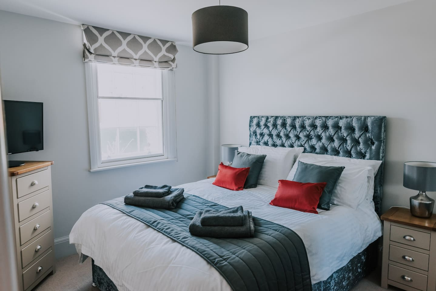 Stunning Master Bedroom - King Size Bed