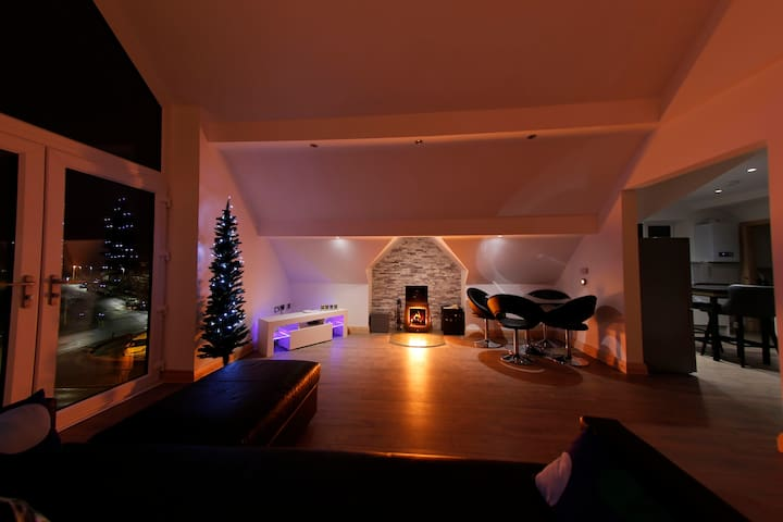 Stunning Seaview Loft-style Penthouse Apartment