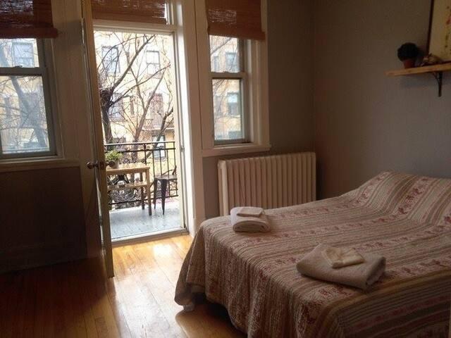 Charmant appartement en plein coeur du Mile-end - Montréal - Apartment