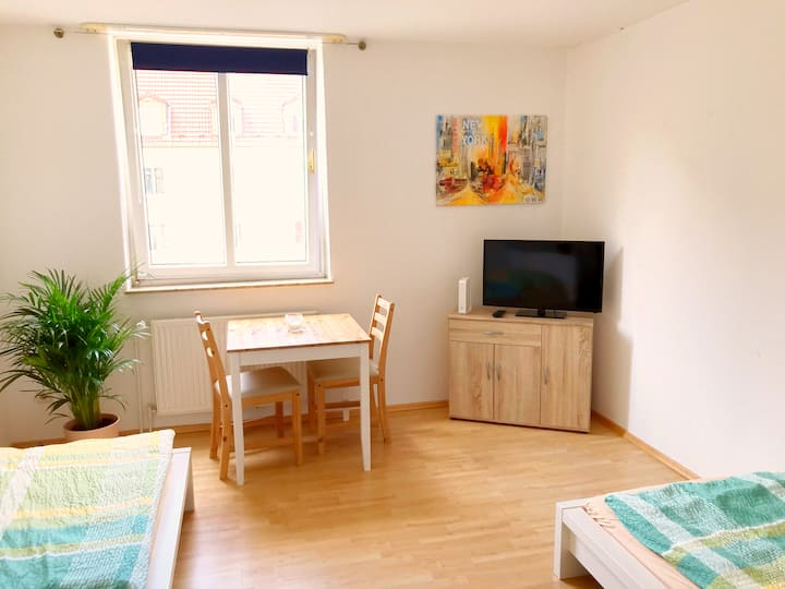 ✔ Cheap, central + directly at the HBF