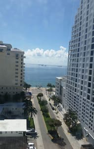 Steps from the BEACH.  AMAZING VIEW - Fort Lauderdale