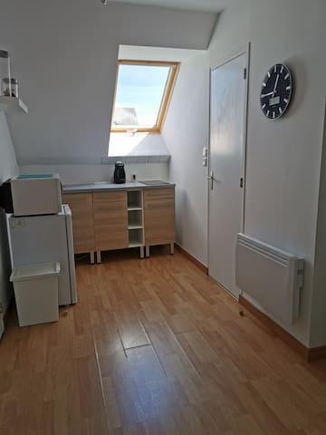 Appartement simple et calme au centre de Fougères