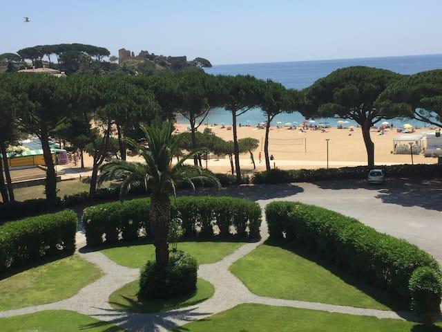 acceso directo del jardin a la playa