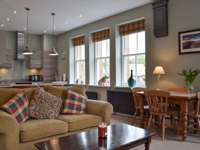 Apartment 1 (UK4145)