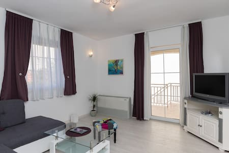 Villa Key - Two Bedroom Apartment with Terrace