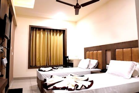 AC Executive Twin Room @Haldwani - Haldwani - Guesthouse