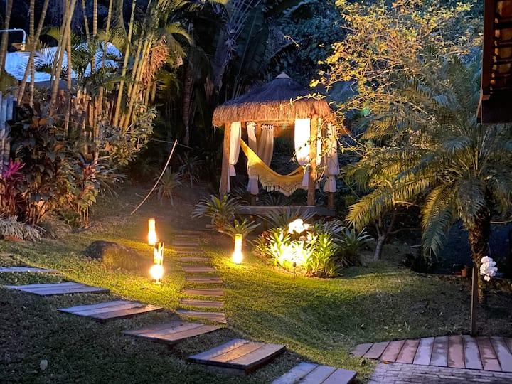 Casa Pedra Riscada, total integração à natureza.