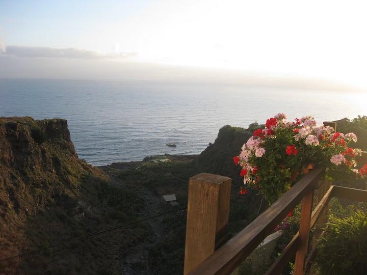 Schöne urige Finca mit Garten und Meerblick