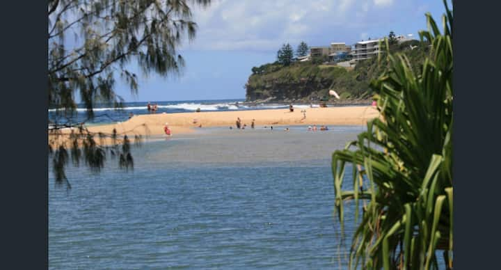 Family beach retreat at Moffat Beach
