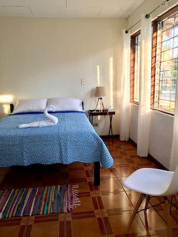 Beautiful and Specious Private Room With Bathroom - Escazú