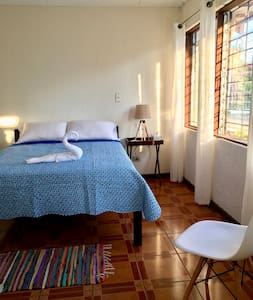Beautiful and Specious Private Room With Bathroom - Escazú - Rumah