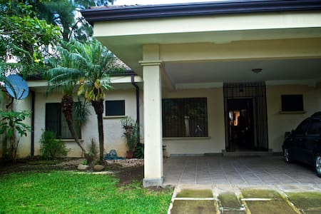 3 BRM HOUSE W/ POOL, LAUNDRY, CLOSE TO ALL - Río Oro