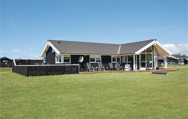 Holiday cottage with 3 bedrooms on 112m² in Rudkøbing