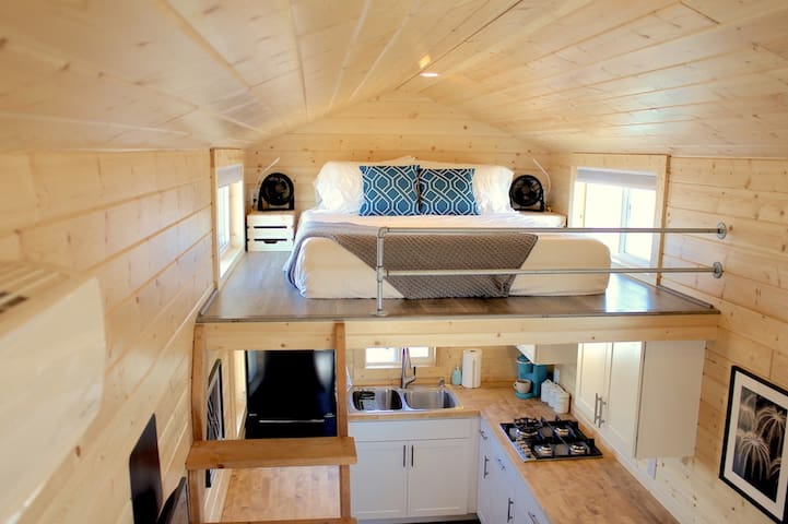 "Socially Distanced Tiny Home ""Mansion"" in Tucson!"
