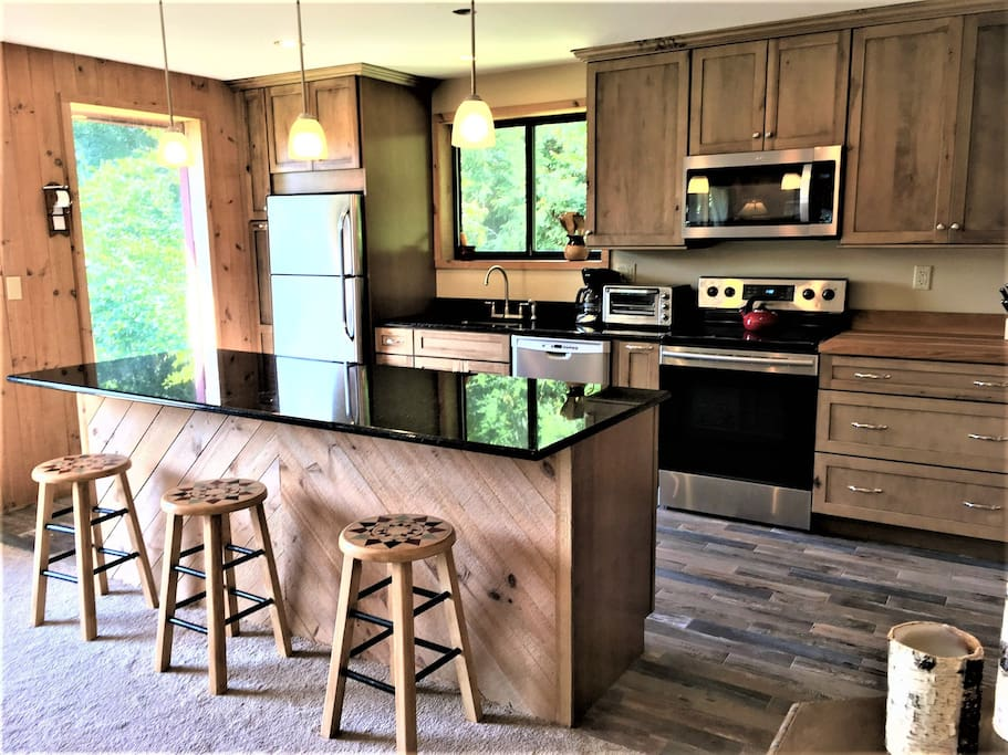 Remodeled Kitchen - All new Appliances
