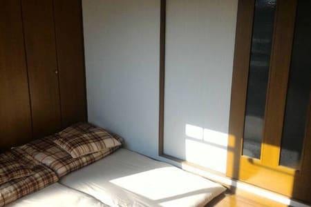 地理位置絕佳,鶴橋車站旁電梯公寓獨立衛浴廚房間,熱誠歡迎喜歡旅行的朋友 - Osaka