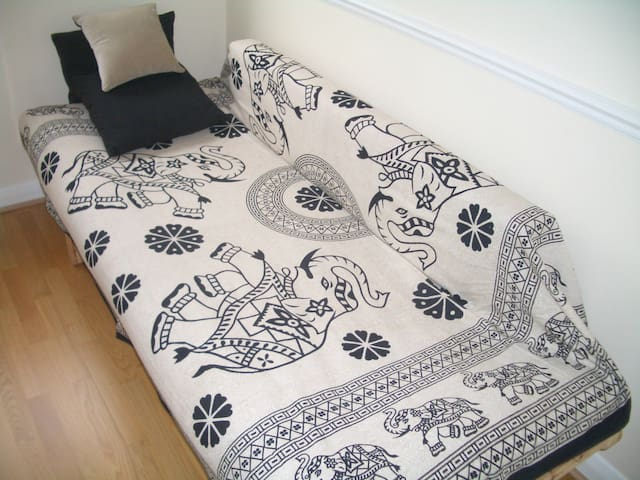 Lovely Double Room on outskirts of Bath - Bath - House
