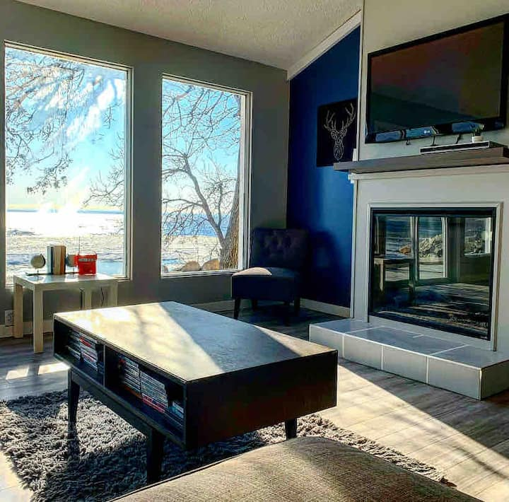 Gimli Beachfront🔹Modern & Steps from the Beach