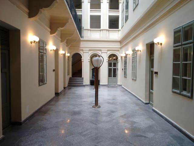 Kecskemeti Studio - Boedapest - Huis