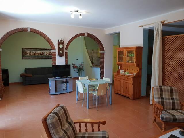 Appartamento con giardino(P3036)