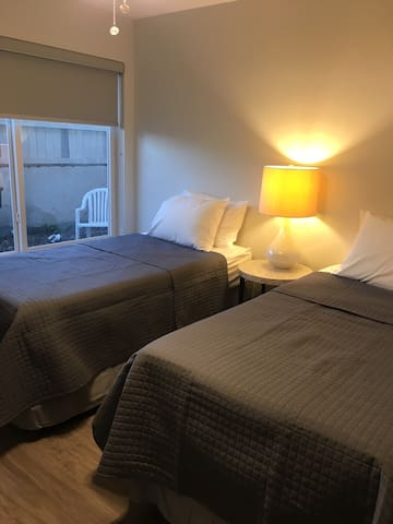 2 Bedroom- 4 twin beds . Palmetto Bay-Parking