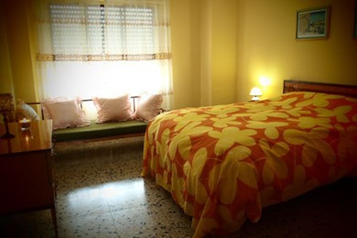 Double room in Rural House - Camporrobles - House