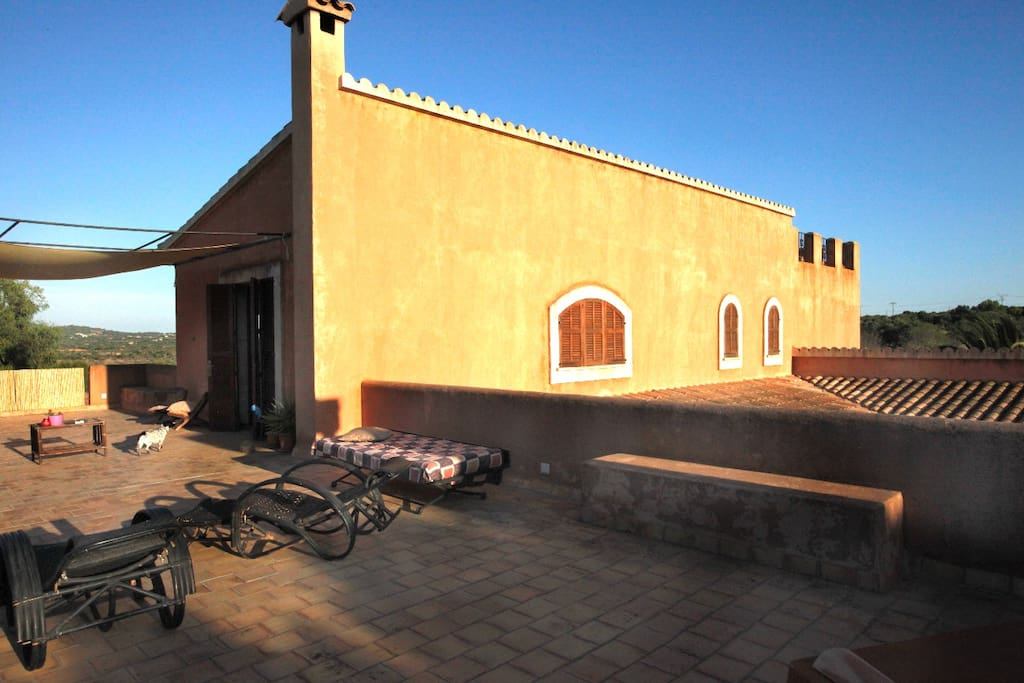 La terraza privada del Loft- completamente segurizada- con maravillosas vistas al campo mallorquín