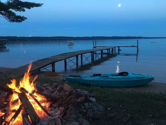 1 bedroom cottage on Torch Lake
