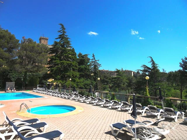 Apartment with swimmingpool, garden - Guardistallo - Leilighet