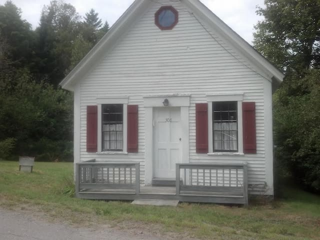 Historic Schoolhouse Cabin