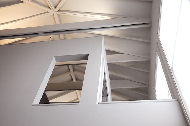 Contemporary architecture / light's beautiful ...