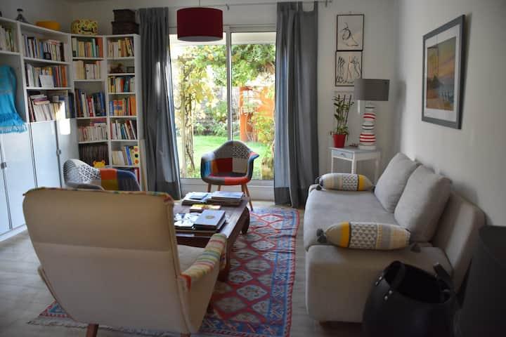 """""""Mini suite"""" dans maison cosy à deux pas de Tours"""