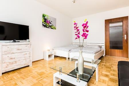 M01 Apartment in Monheim mit Balkon - Monheim am Rhein - Lägenhet