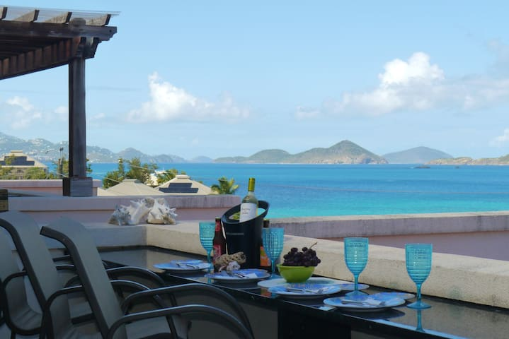 Breakfast, lunch or dinner, J2O has the best view at Grande Bay Resort!