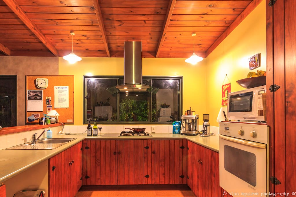 Functional, clean and well equipped kitchen