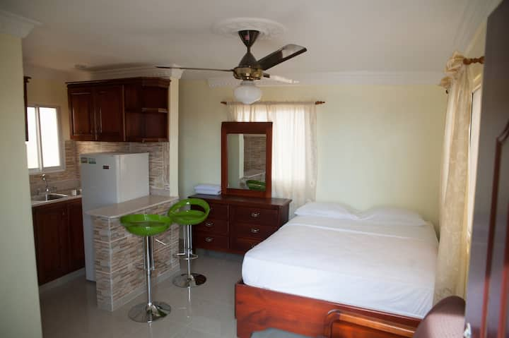 Lovely Studio For 2 Near Airport & Colonial Zone