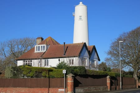 Edwardian House by the Lighthouse - Burnham-on-Sea