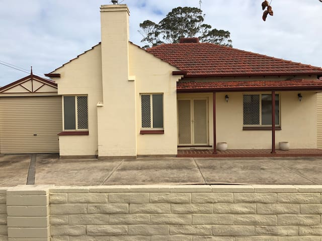 Largs Bay 3 Bedroom House