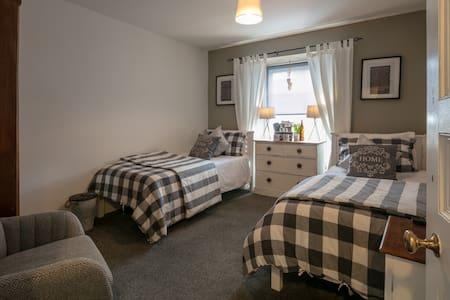 BLAS AT FRONLAS twin room