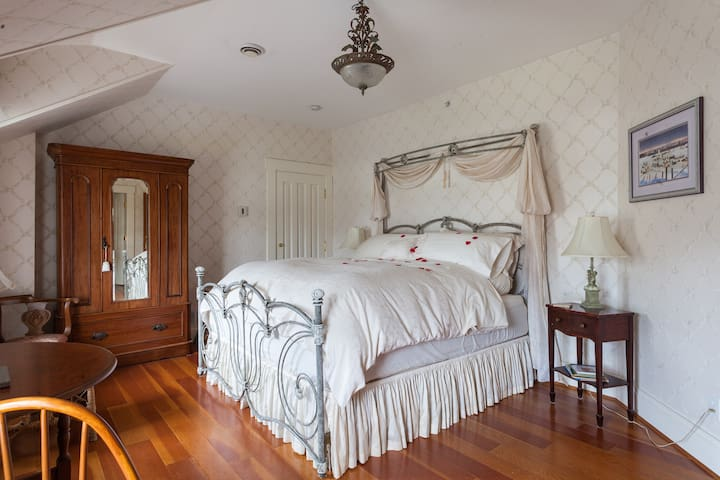 Princess and the Pea B&B - Langley - Bed & Breakfast