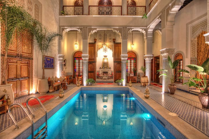 Single Room in Luxury Riad With Buffet Breakfast
