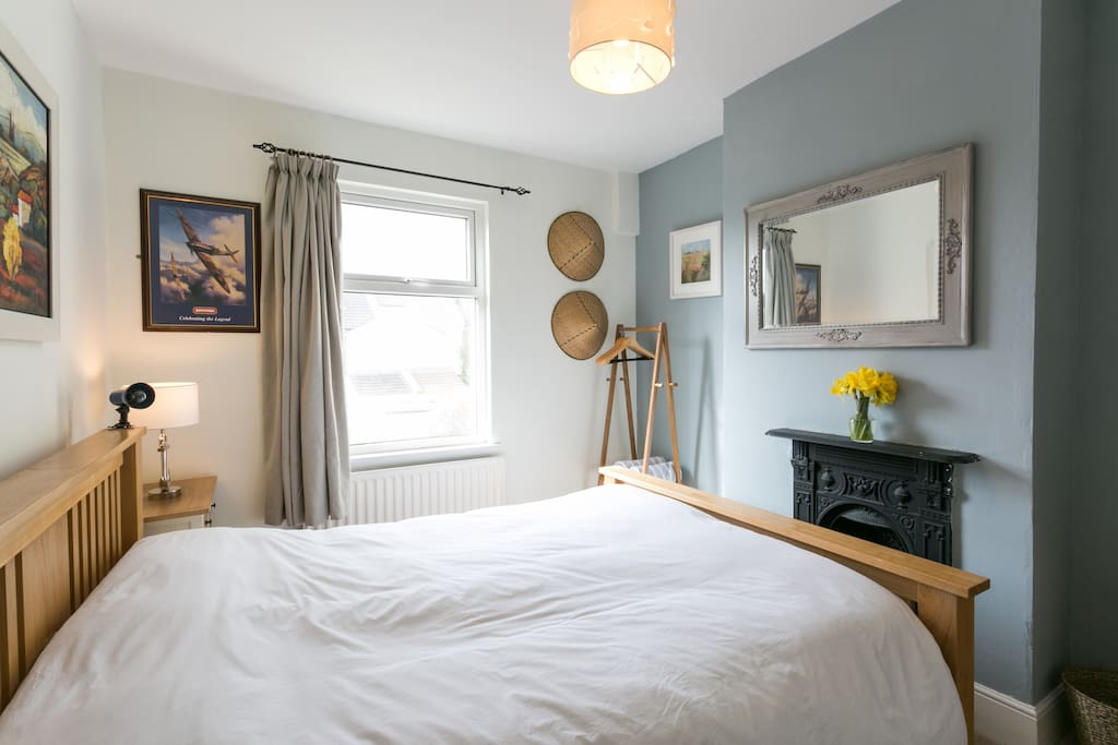 Cosy King Sized Bedroom