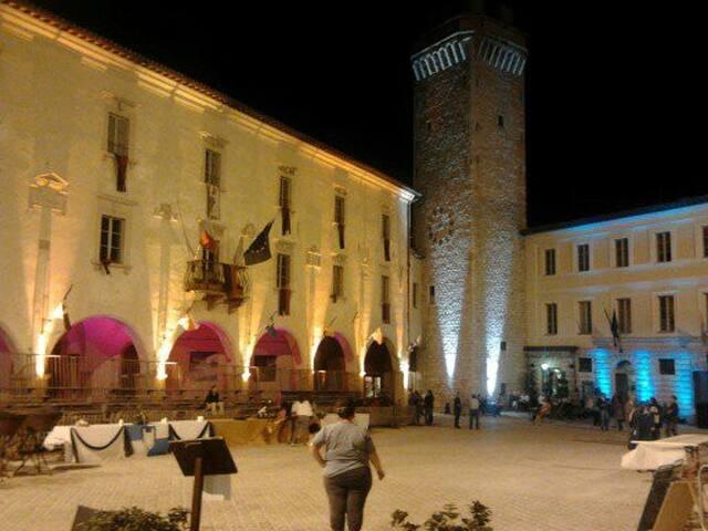 Il centro storico durante la festa dell'ottobre Trevano